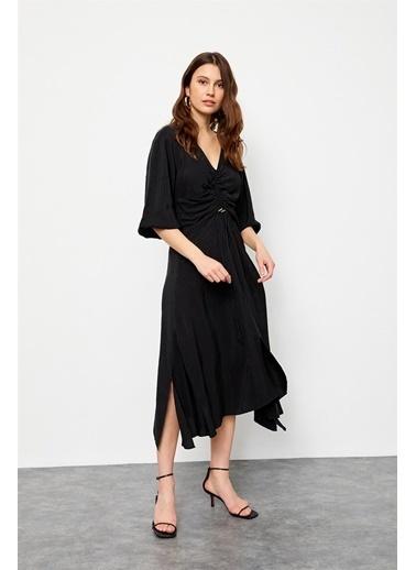 Setre Siyah Yaka Balon Uzun Kol Yırtmaçlı Diz Boy Elbise Siyah